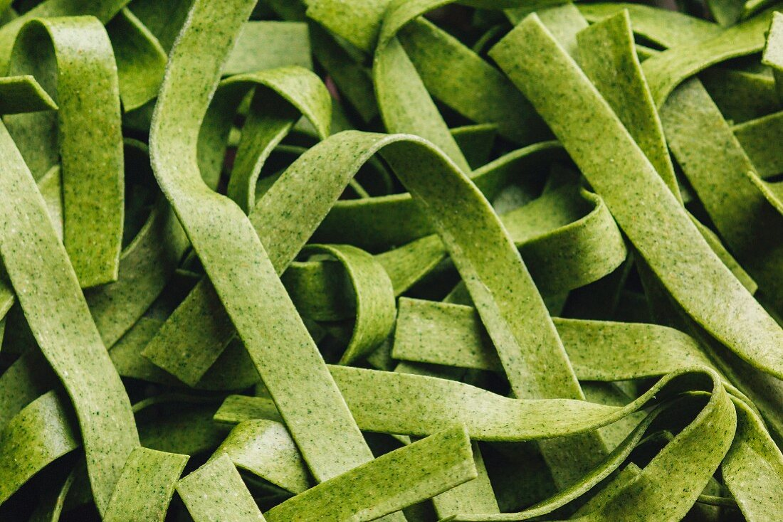 Green ribbon noodles (full picture)