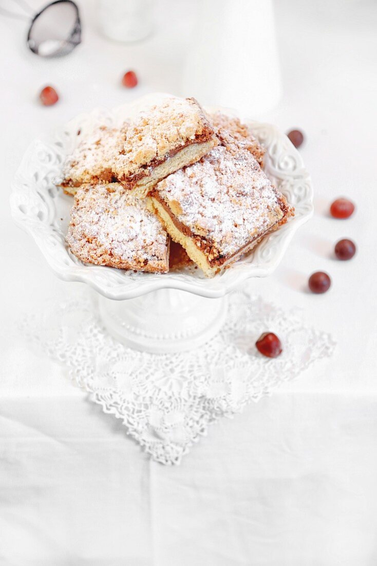 Sbriciolata cake with chocolate and nuts (Italy)