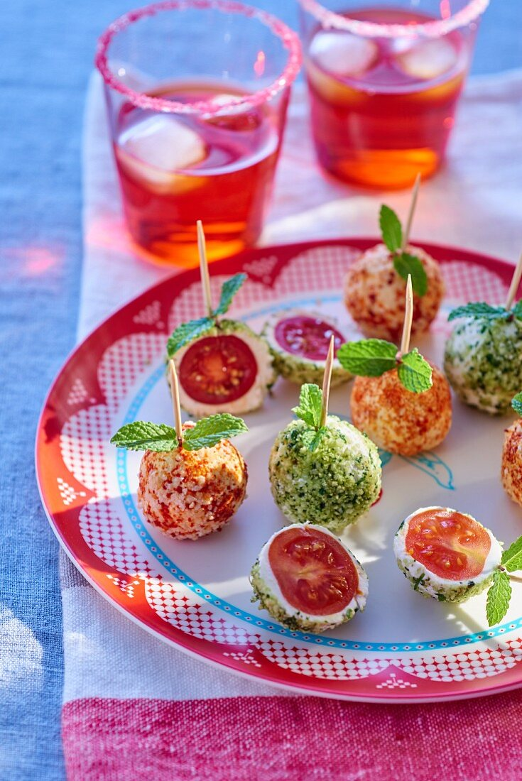 Cherry tomatoes in fresh cheese (party food)