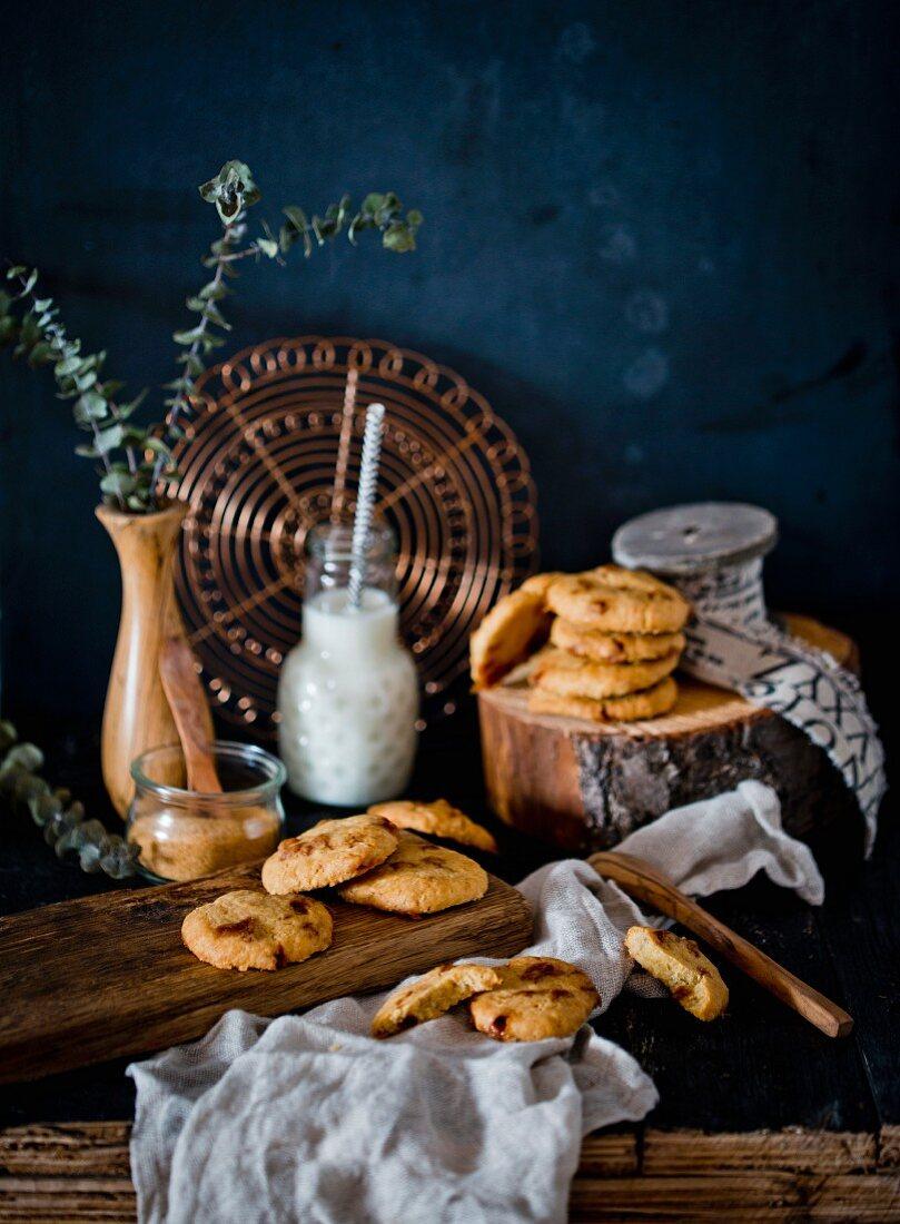 Caramel cookies and milk