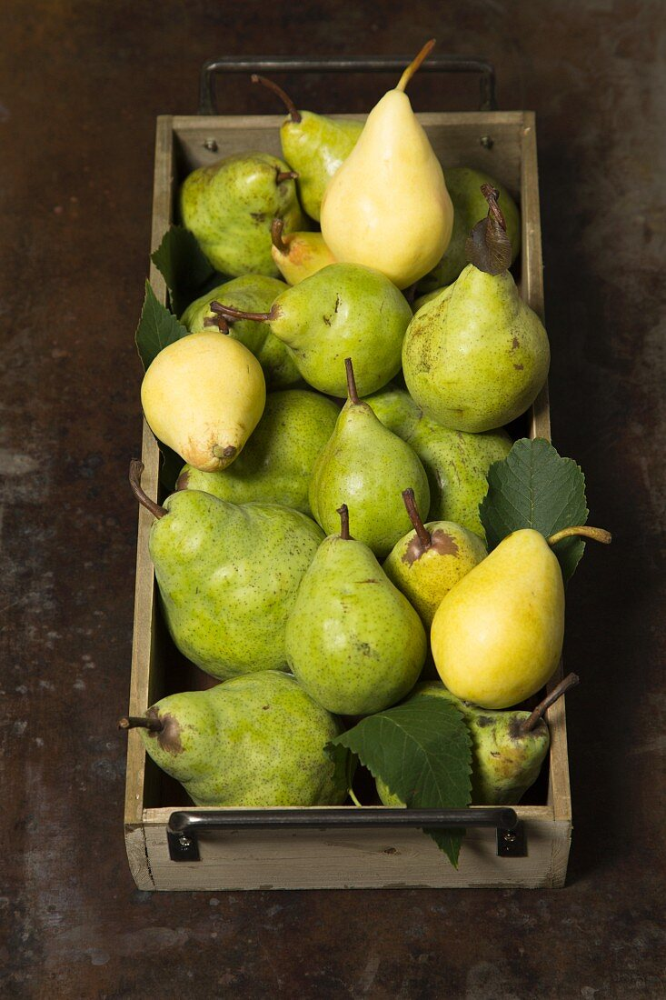 Pears in a wooden crate