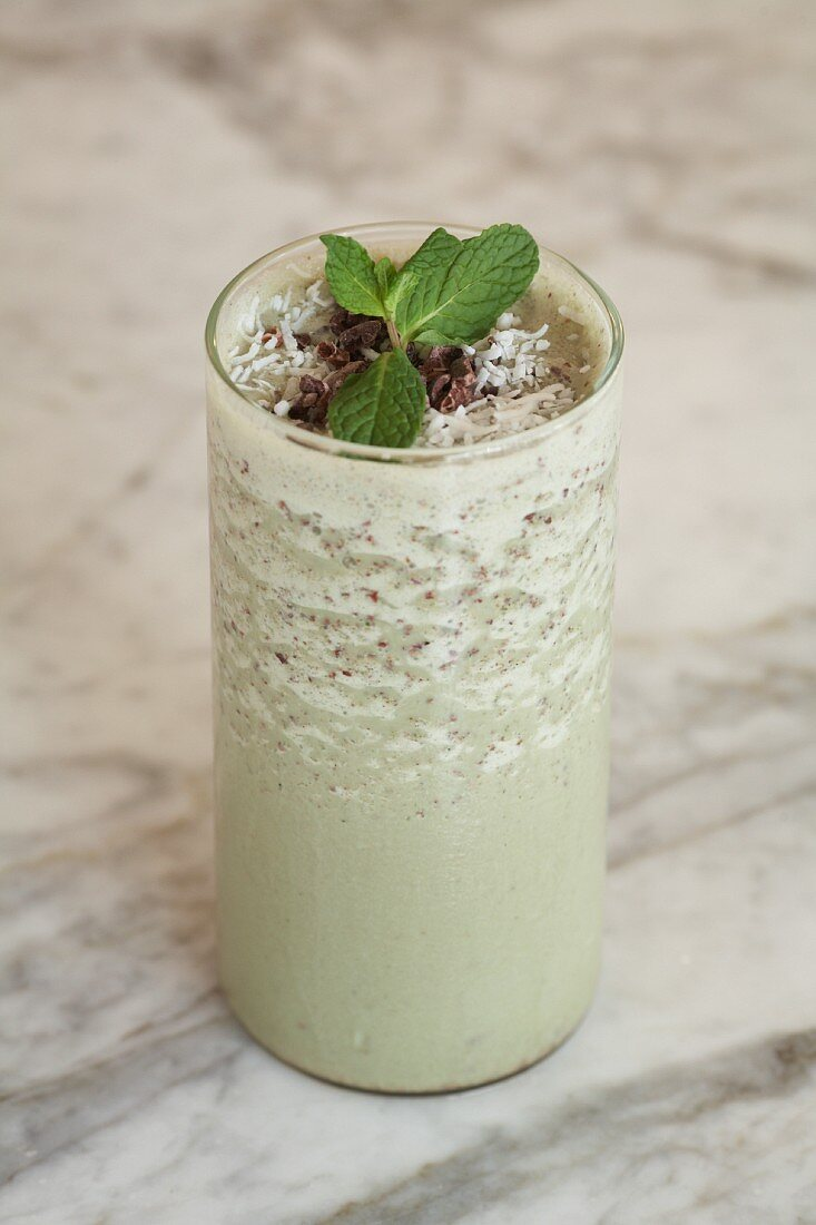 Grasshopper smoothie with peppermint liqueur
