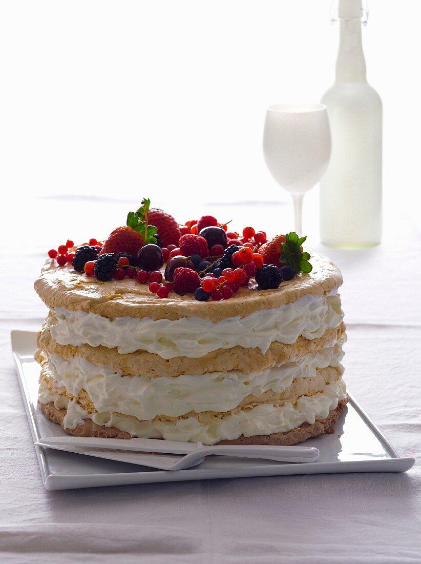Cream cake with fresh berries