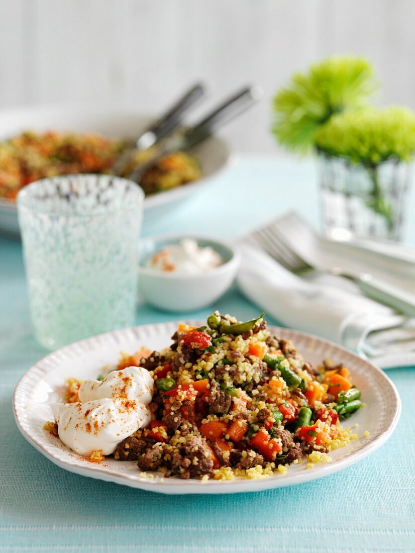 Couscous with minced beef, vegetables and yoghurt