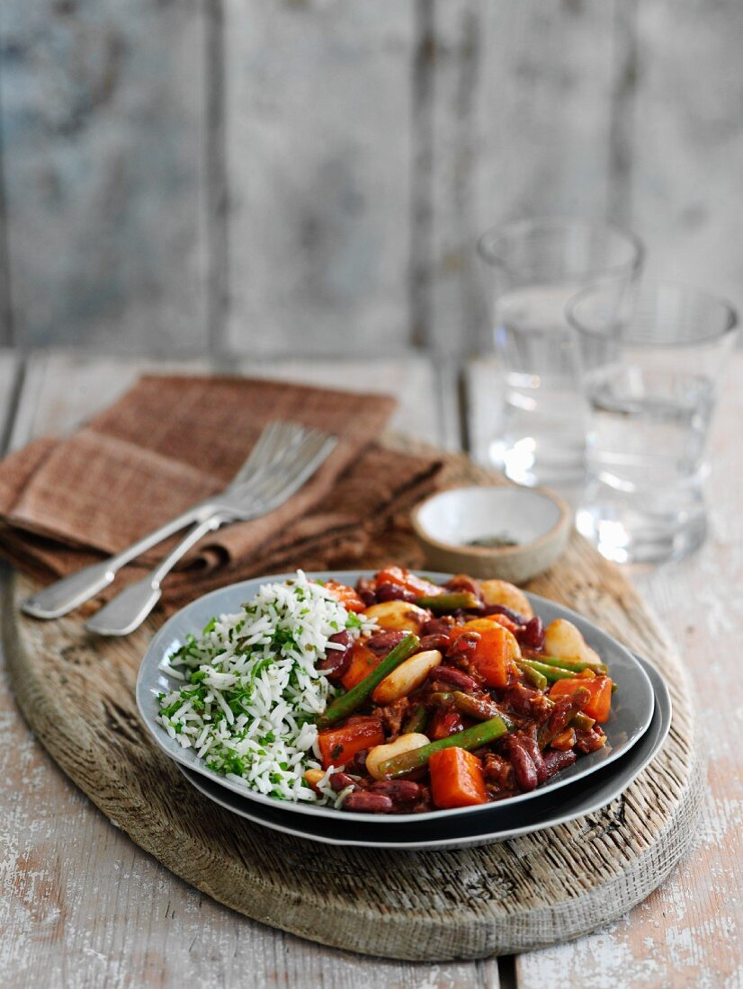 Autumnal chilli with pumpkin and rice