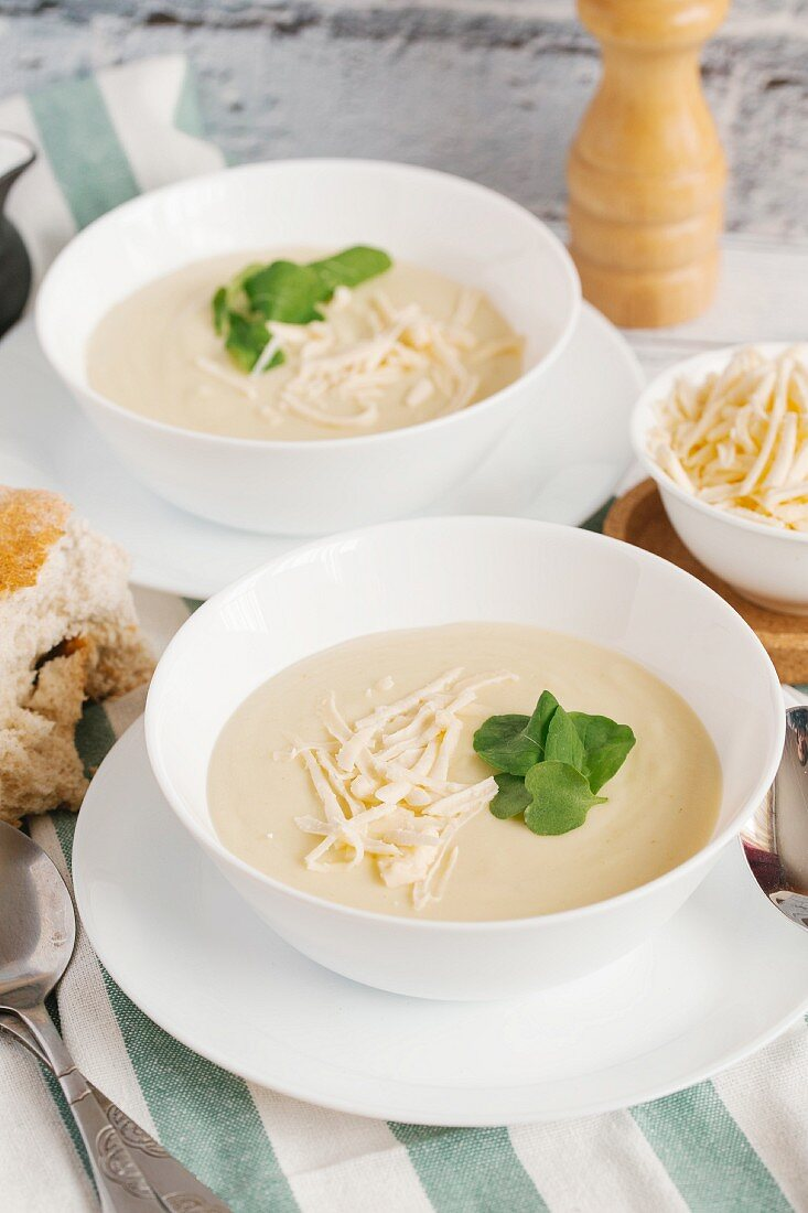 Cheese soup with watercress