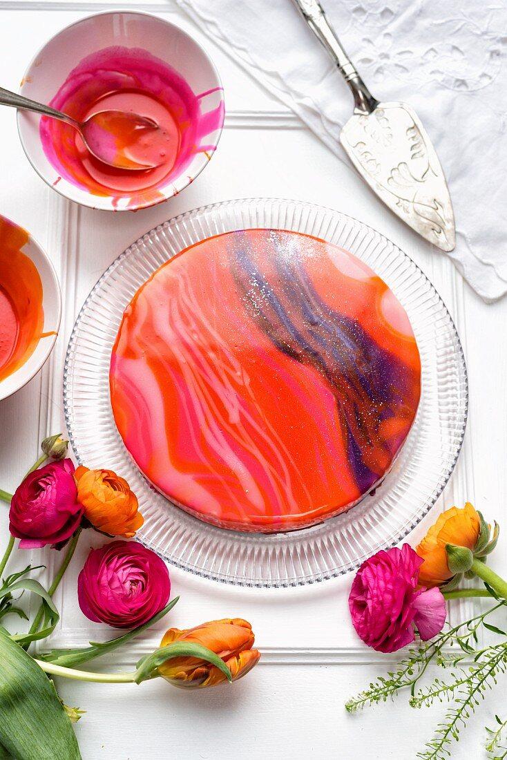 Frühlingshafte Mirror Glaze Cheesecake (Torte mit Spiegelglasur)