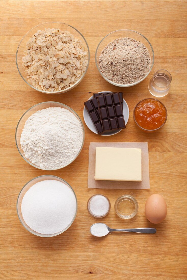 Ingredients for classic nut bars