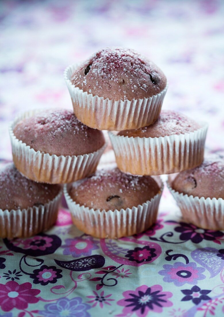 Vegan red fruit jelly muffins