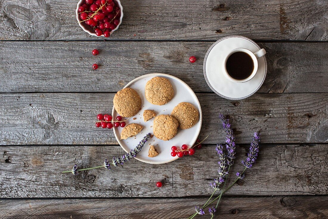 Oat biscuits with coffee (seen from above)
