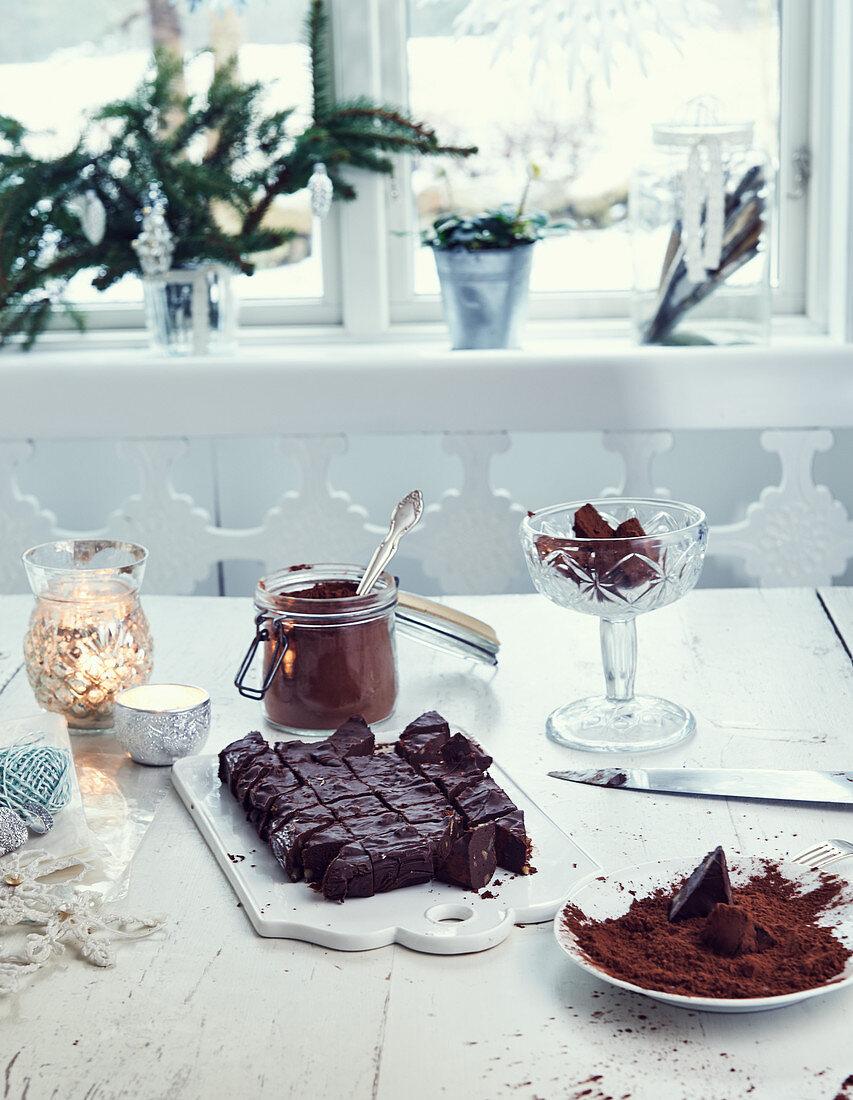 Chocolate and walnut fudge (Christmas)