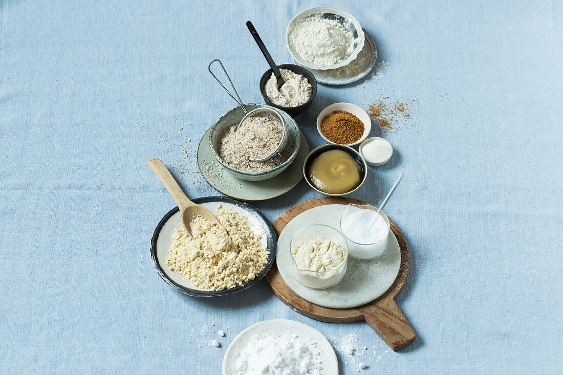 Low-carb basics (flour substitute, sweetener, protein powder, binding agent)