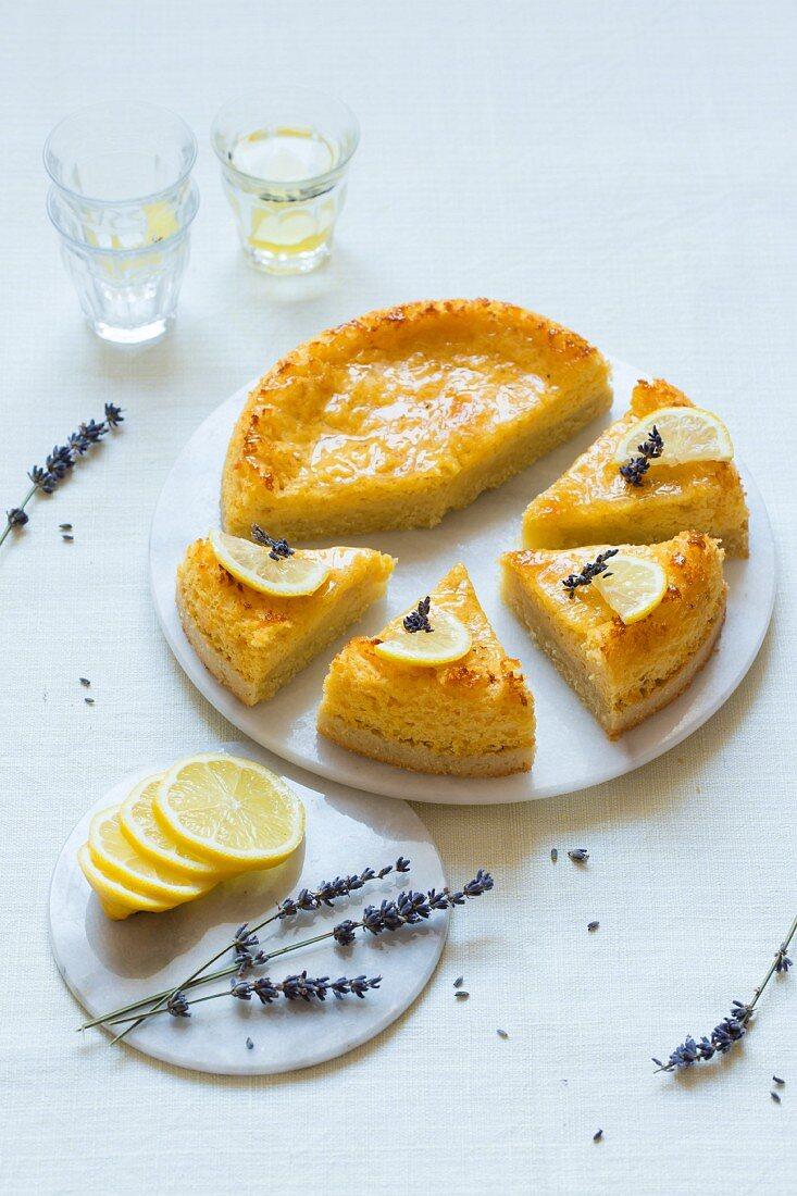 Lemon and lavender cake (low carb)