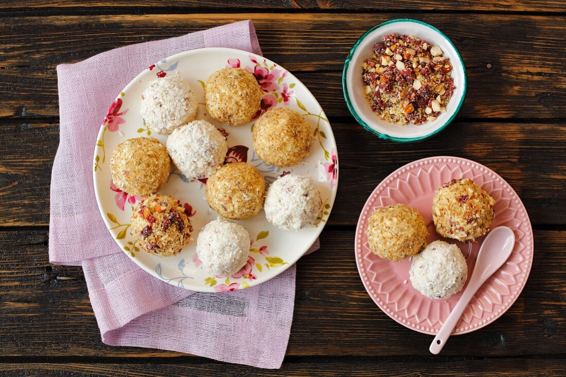 Quark balls covered with different toppings