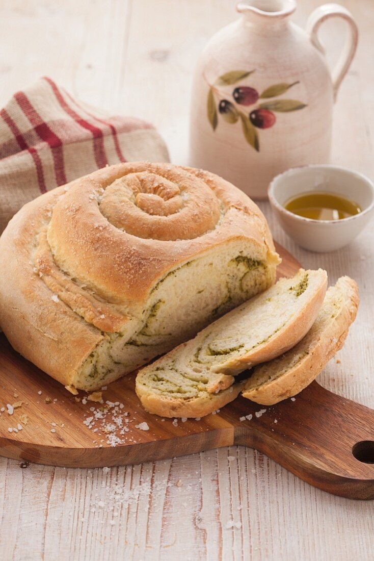 Snail-shaped bread with pesto