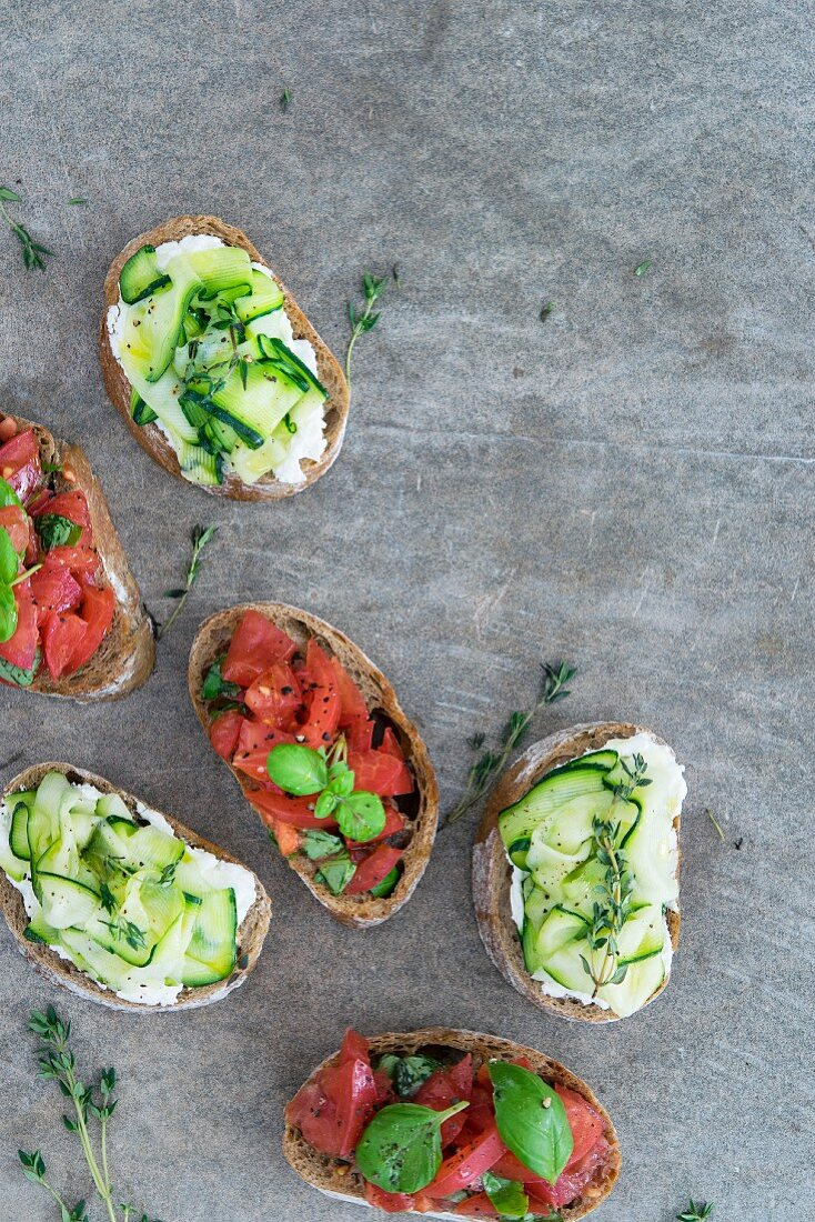 Bruschetta with cottage cheese, zucchini and tomatoes