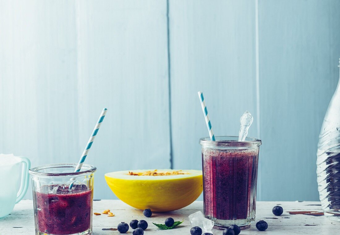 Blueberry and melon drink with sparkling water