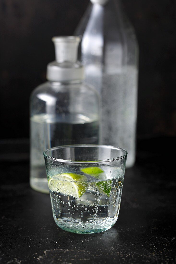 Gin with sparkling water and lime juice