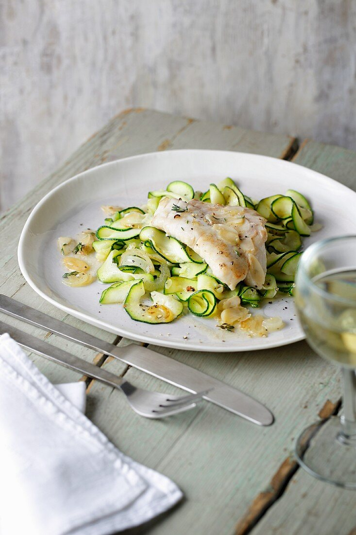 Fried redfish with almond butter and spiralised zoodles (zucchini noodles)