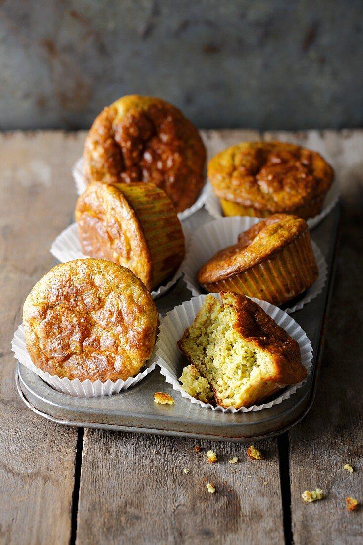 Quattro formaggi muffins with cashews