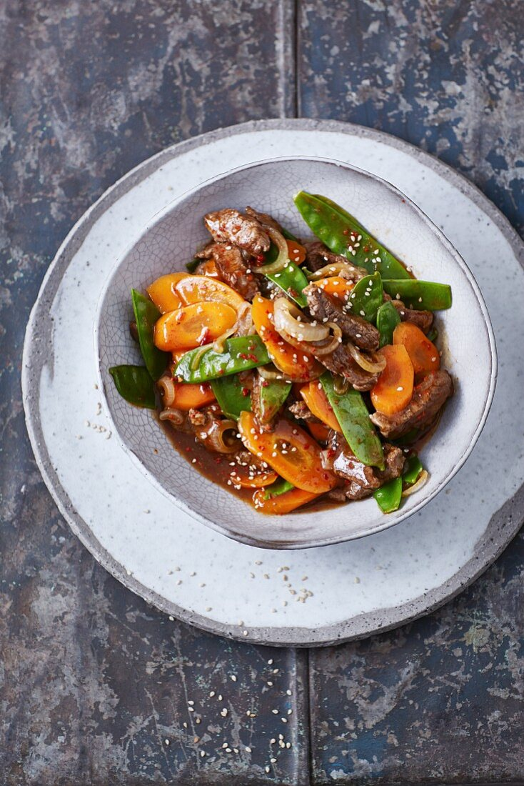 Filet of beef with spicy vegetables