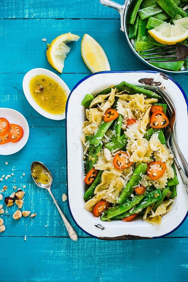 Nudeln mit grünen Bohnen und Paprika (Italien)