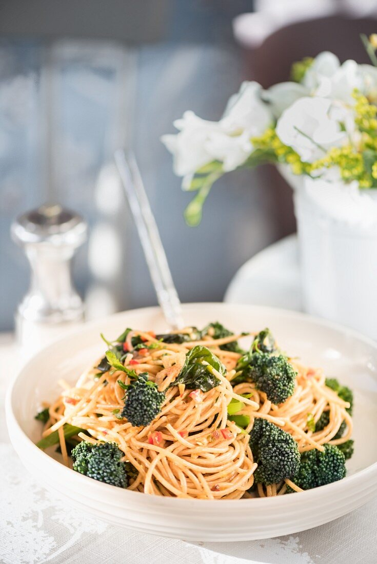 Wholemeal spaghetti with Tenderstem broccoli and lemon