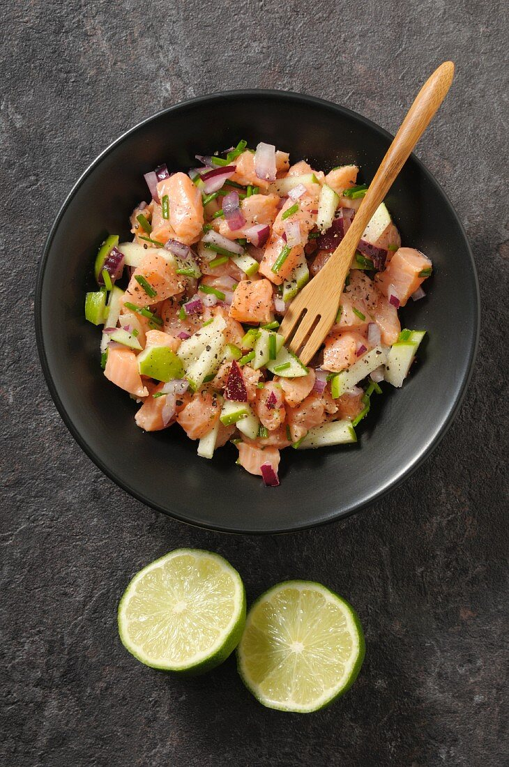 Salmon tartar with apple, onion, lime and chives