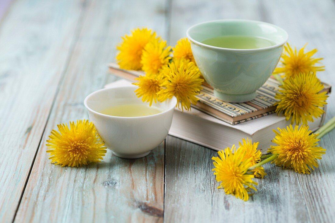 Dandelion tea in small bowls