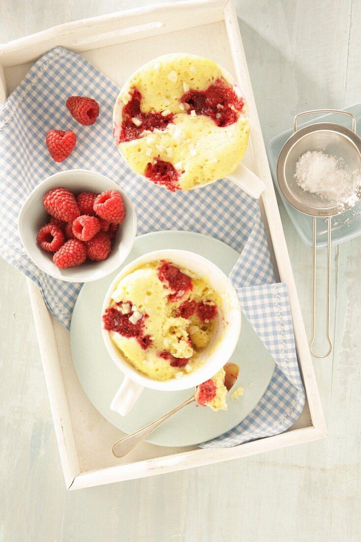 Mug cake with yoghurt and raspberries