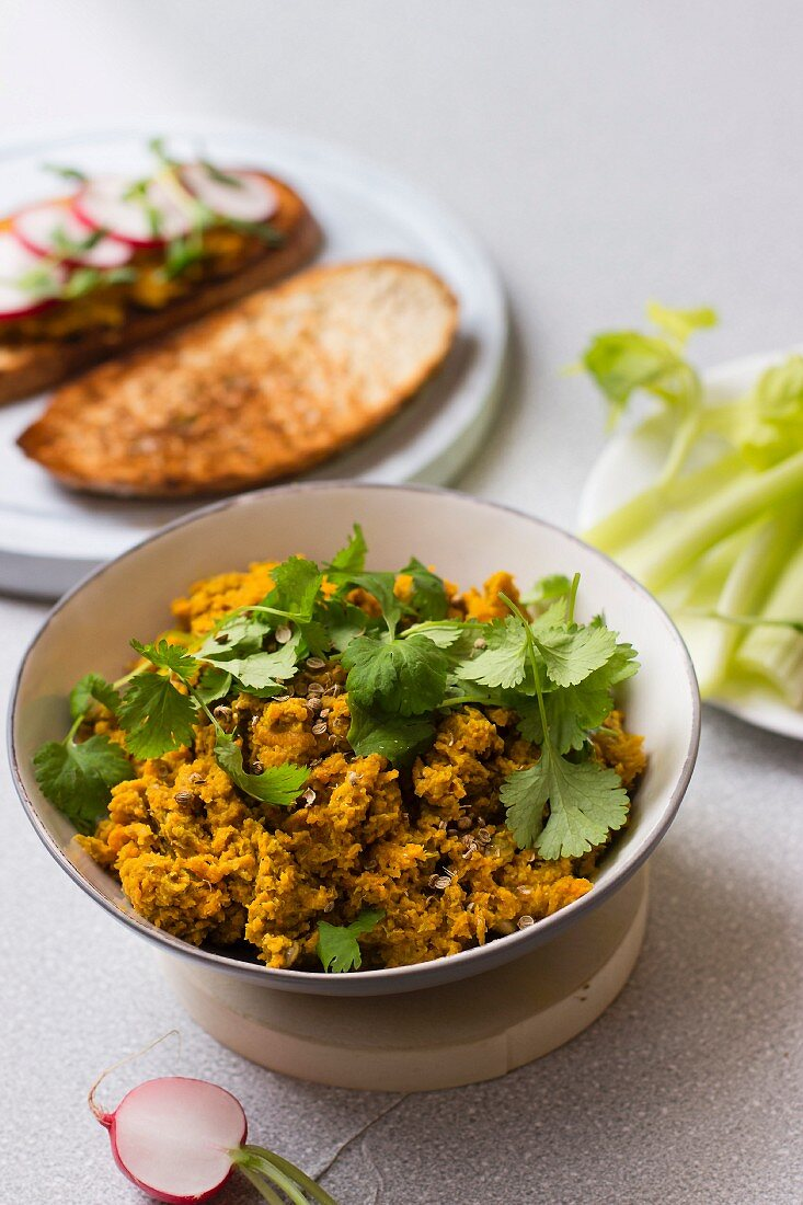 Carrot spread with coriander