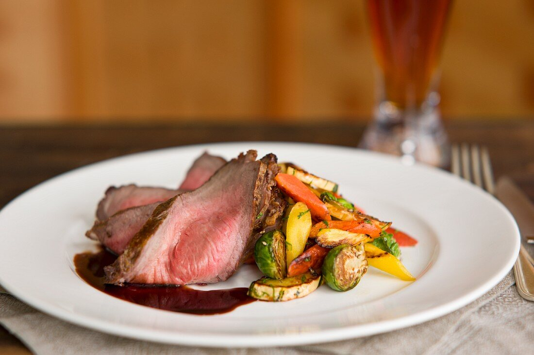 Roast beef with grilled vegetables