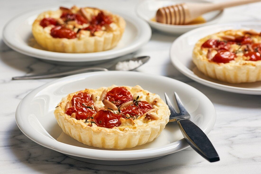 Tomato and goat's cheese tartlets