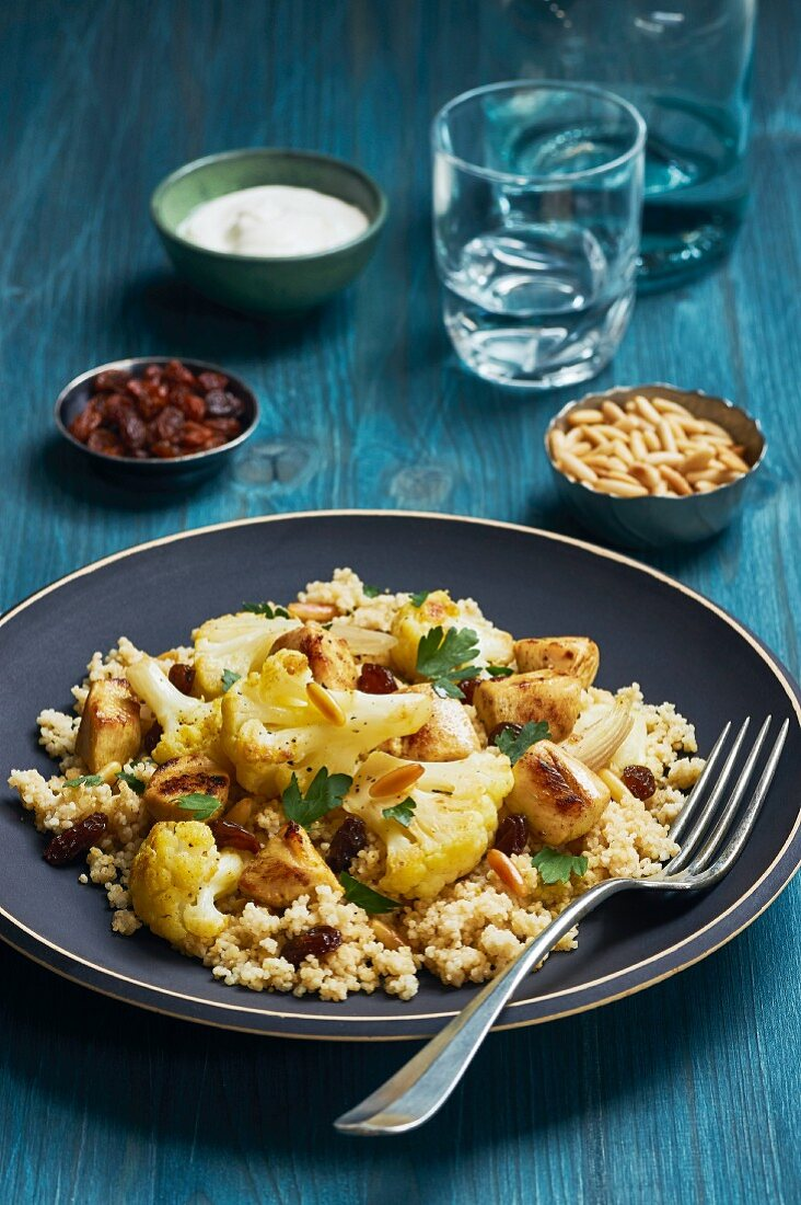 Couscous with cauliflower and chicken breasts
