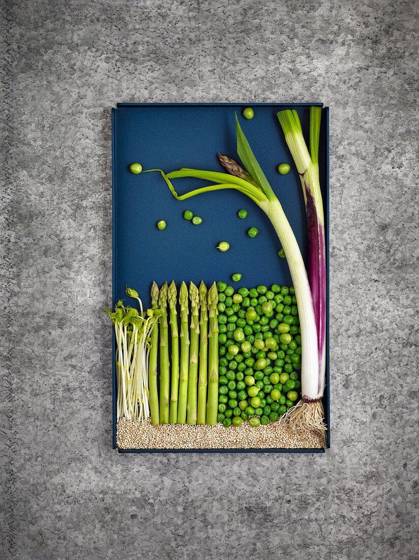 Zutaten für Quinoa-Burger und Muffins als Foodbild
