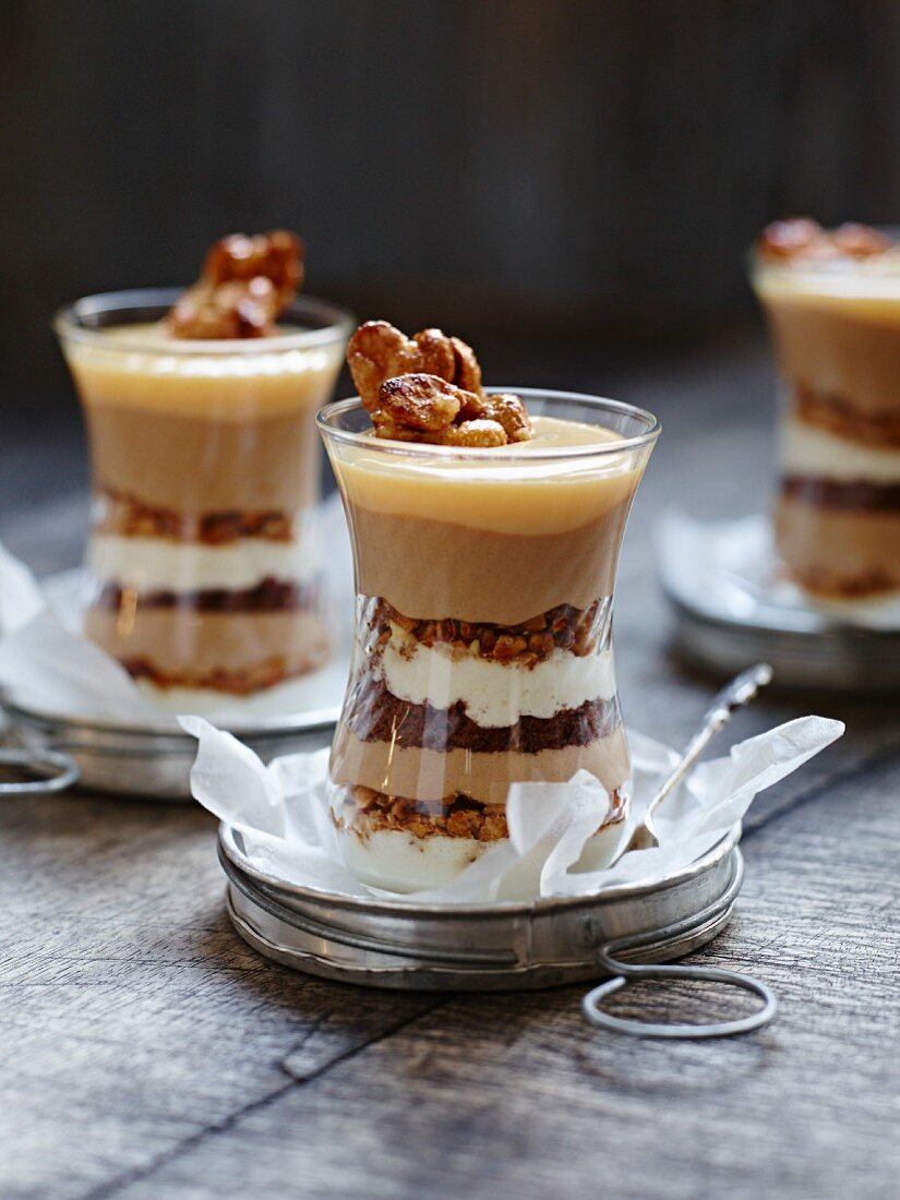 Trifles with condensed milk and caramel