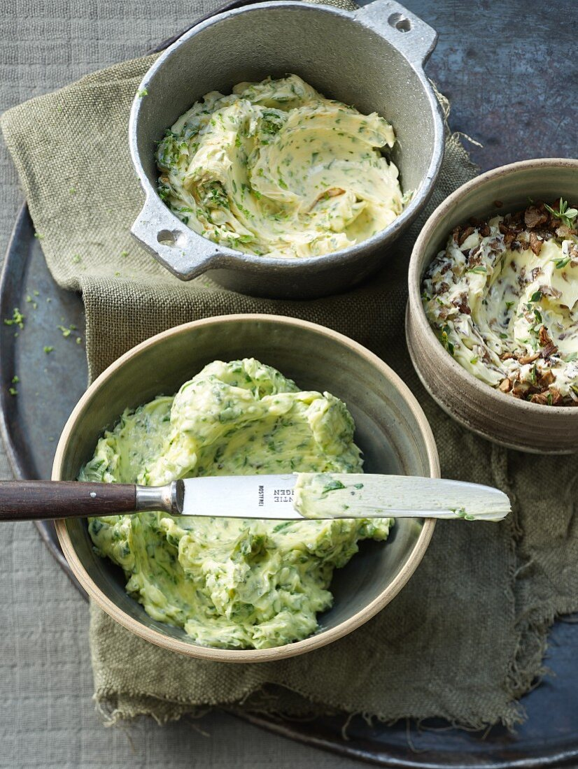 Herb butter: classic, with lime and parsley, with mushrooms