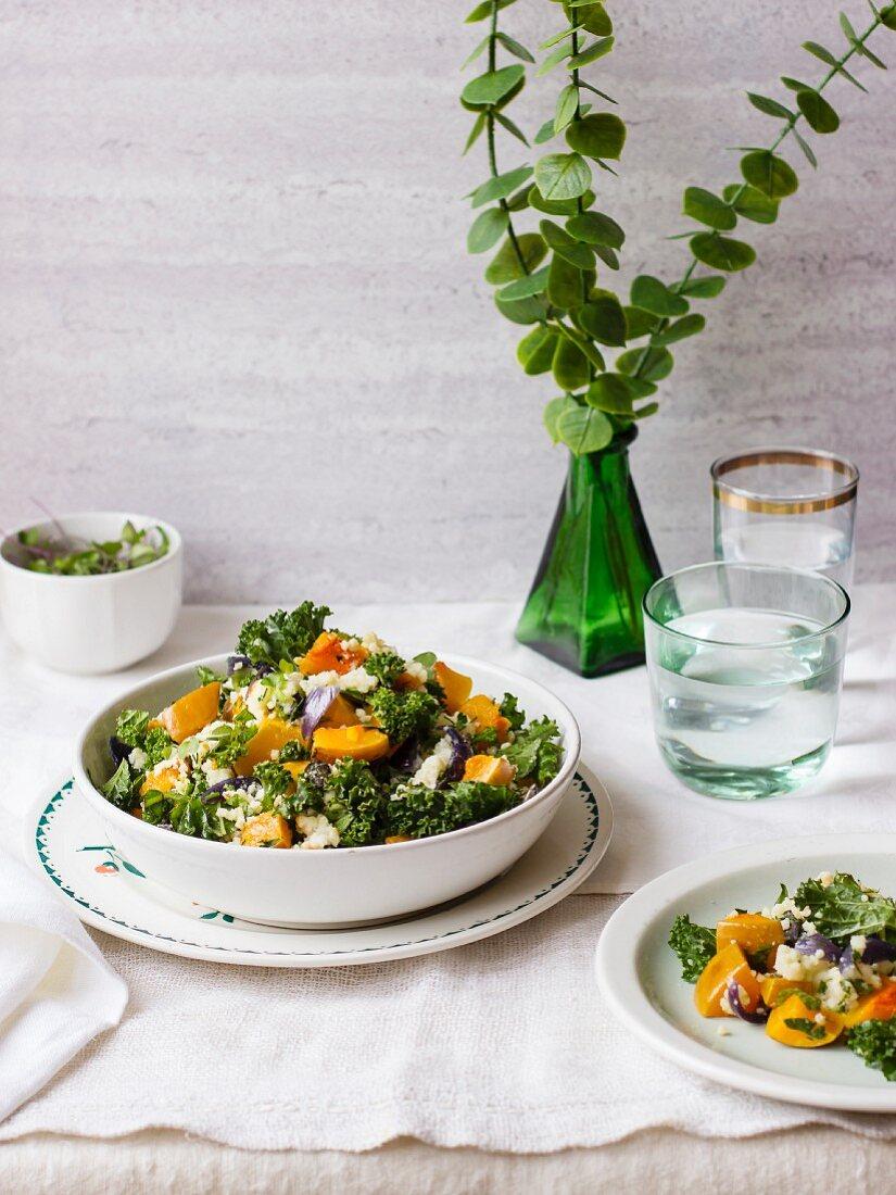 Tabouleh mit Grünkohl, Kürbis, roter Zwiebel und Quinoa