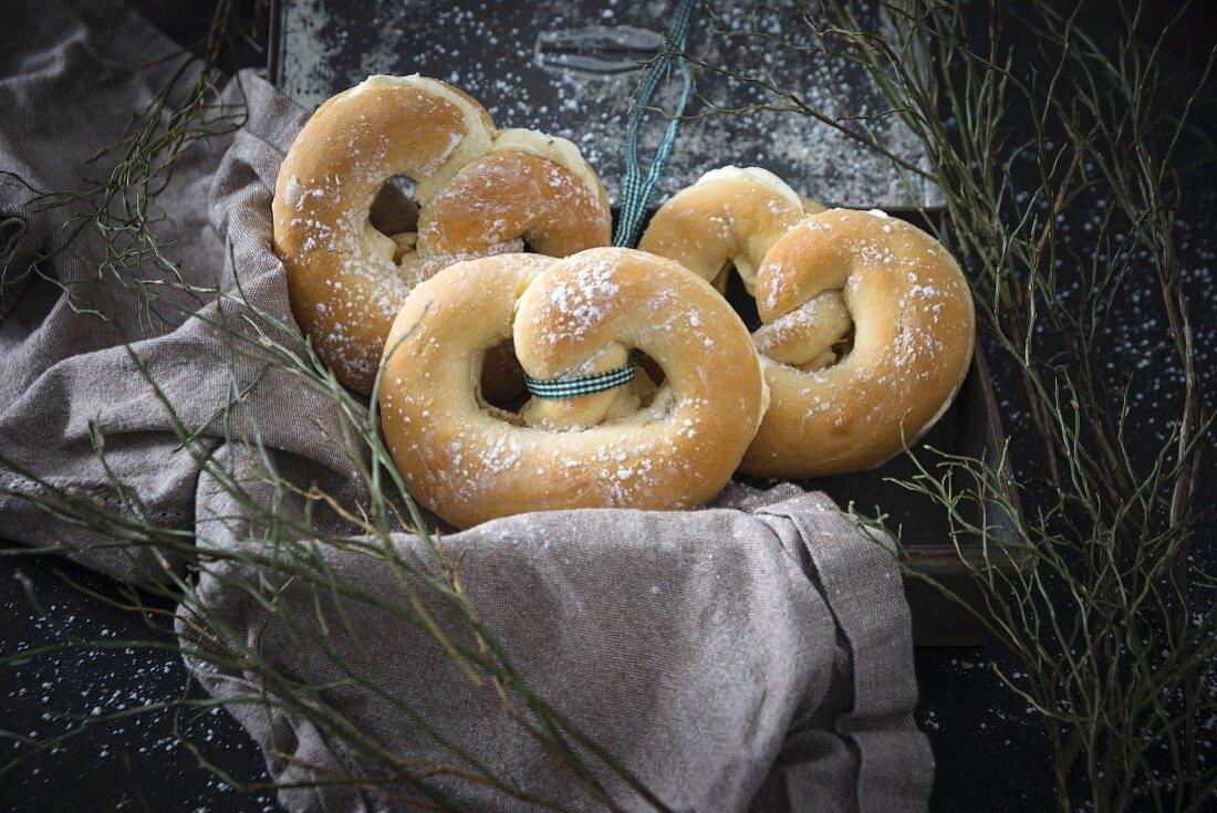 Vegan pretzels filled with vanilla cream