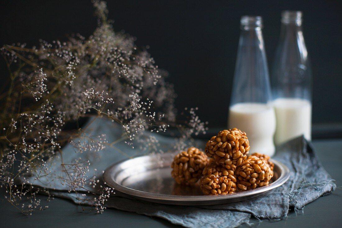 Caramelized rice balls