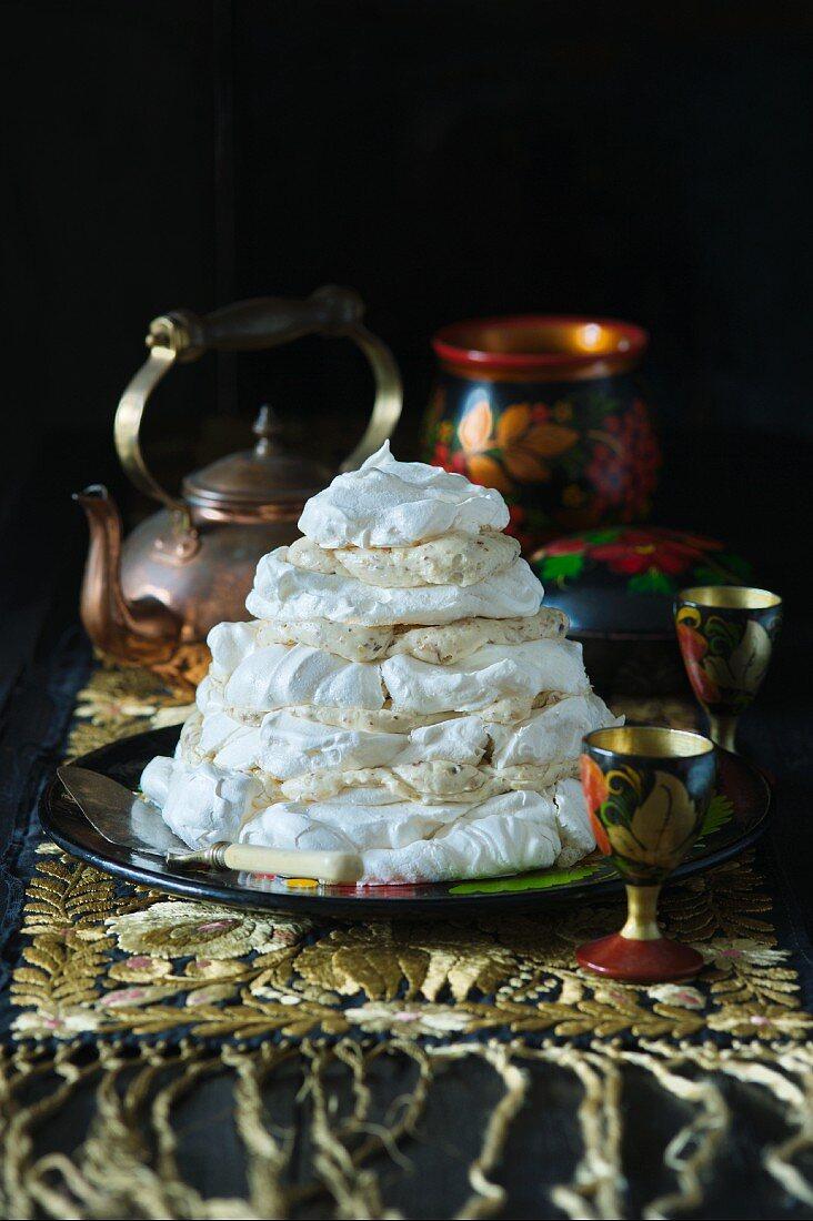 Meringue torte with nut meringues