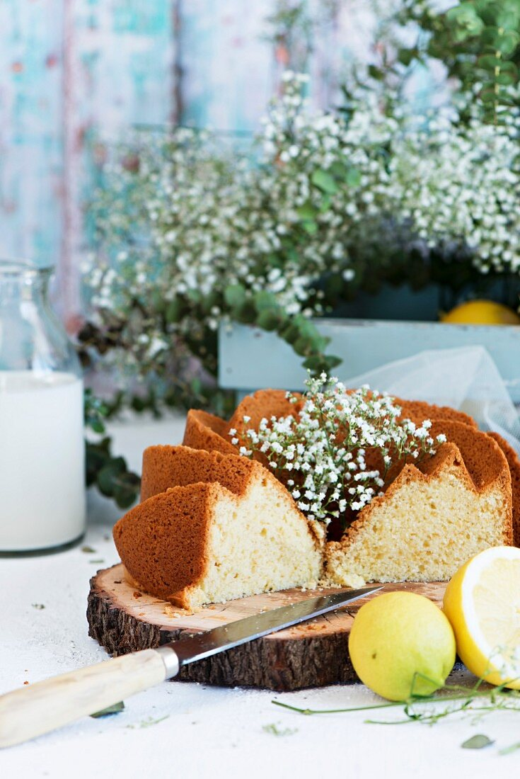 Lemon bundt cake with flowers
