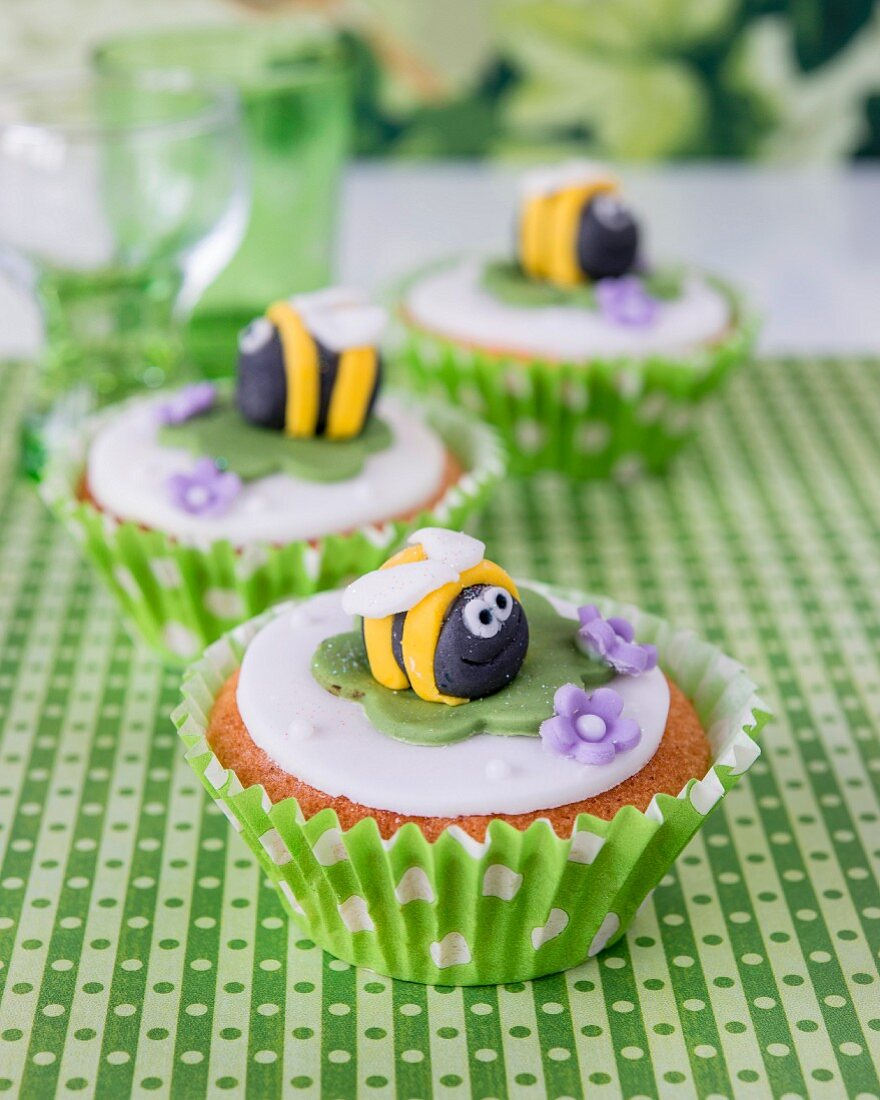 Cupcakes with marzipan bees