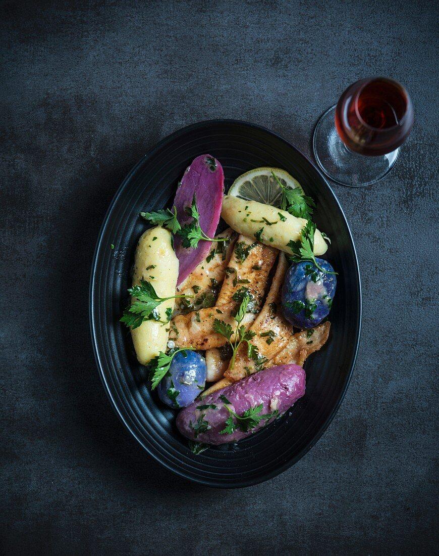 Fish fillets with Vitelotte potatoes