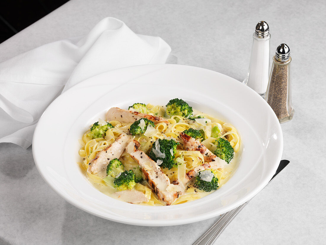 Ribbon pasta with chicken and broccoli