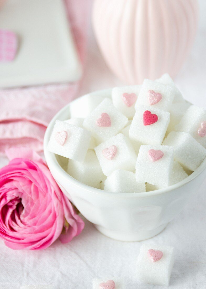 Sugar cubes decorated with hearts