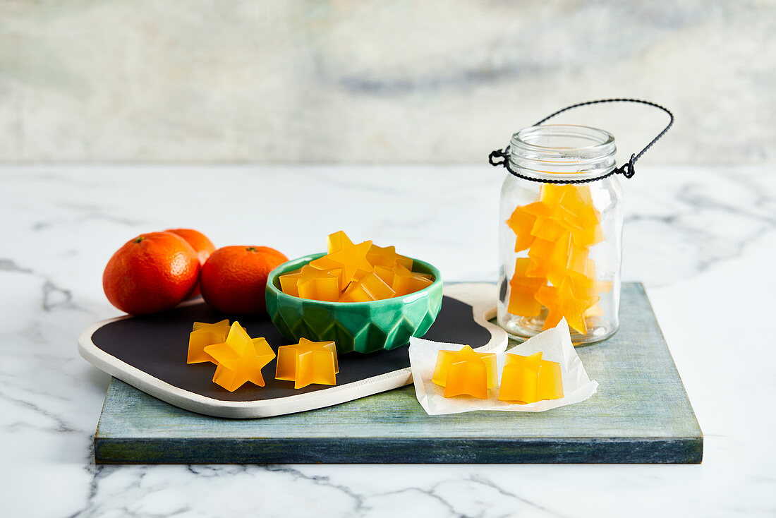 Star-shaped mandarin jelly