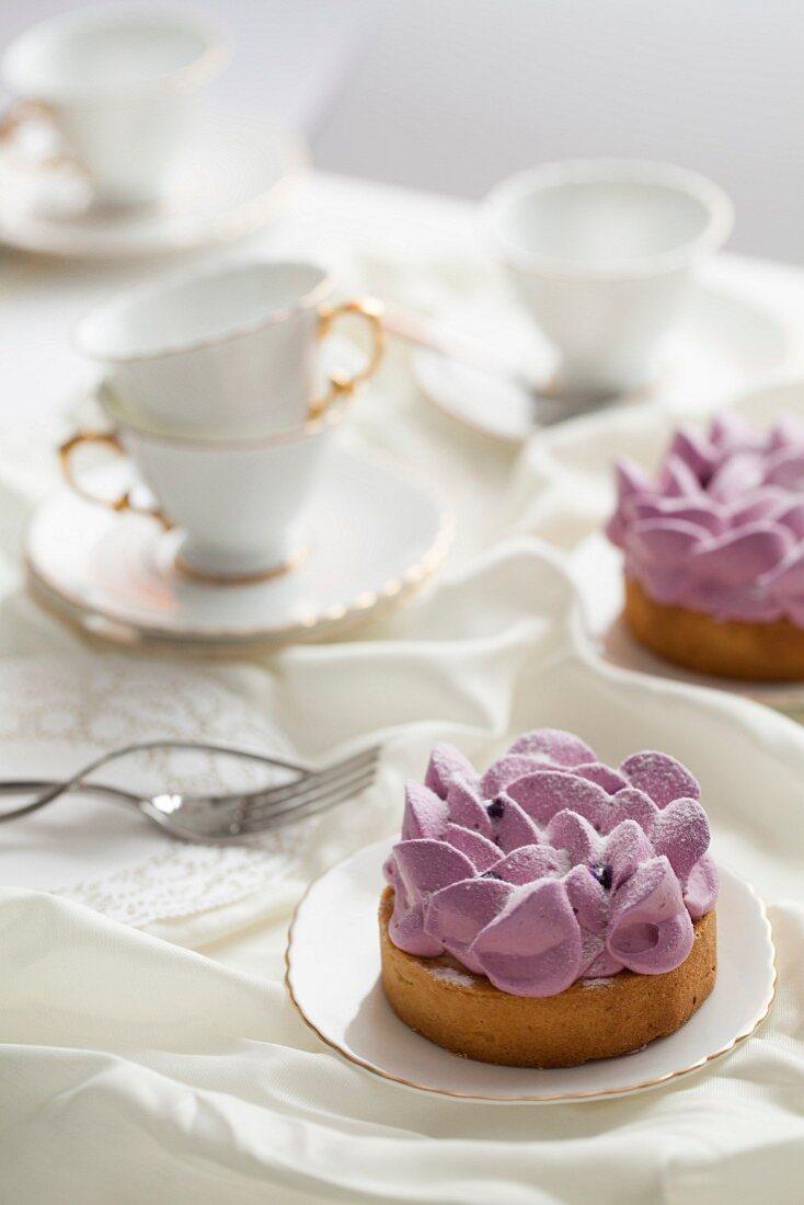 Blackcurrant tarts and tea