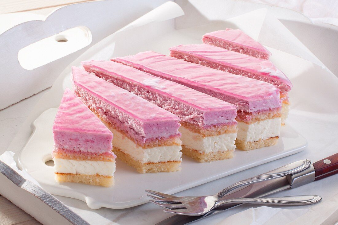 Layered cake with raspberry mousse