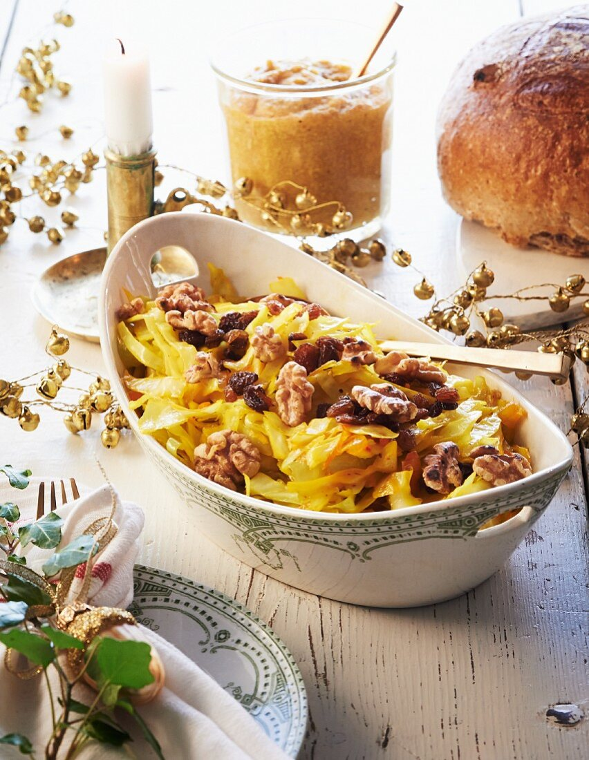 Saffron cabbage with walnuts for Christmas